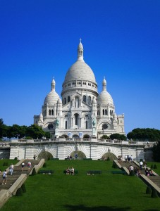 Front side of Sacré-Cœur (Photo Credit: Tonchino/Wikipedia)